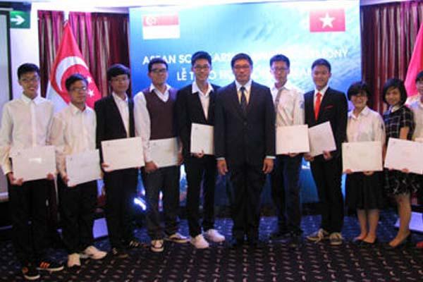 Có những loại học bổng du học Singapore nào