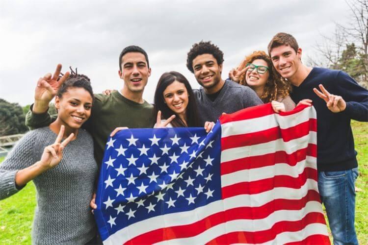 Du học Mỹ tự túc là gì?